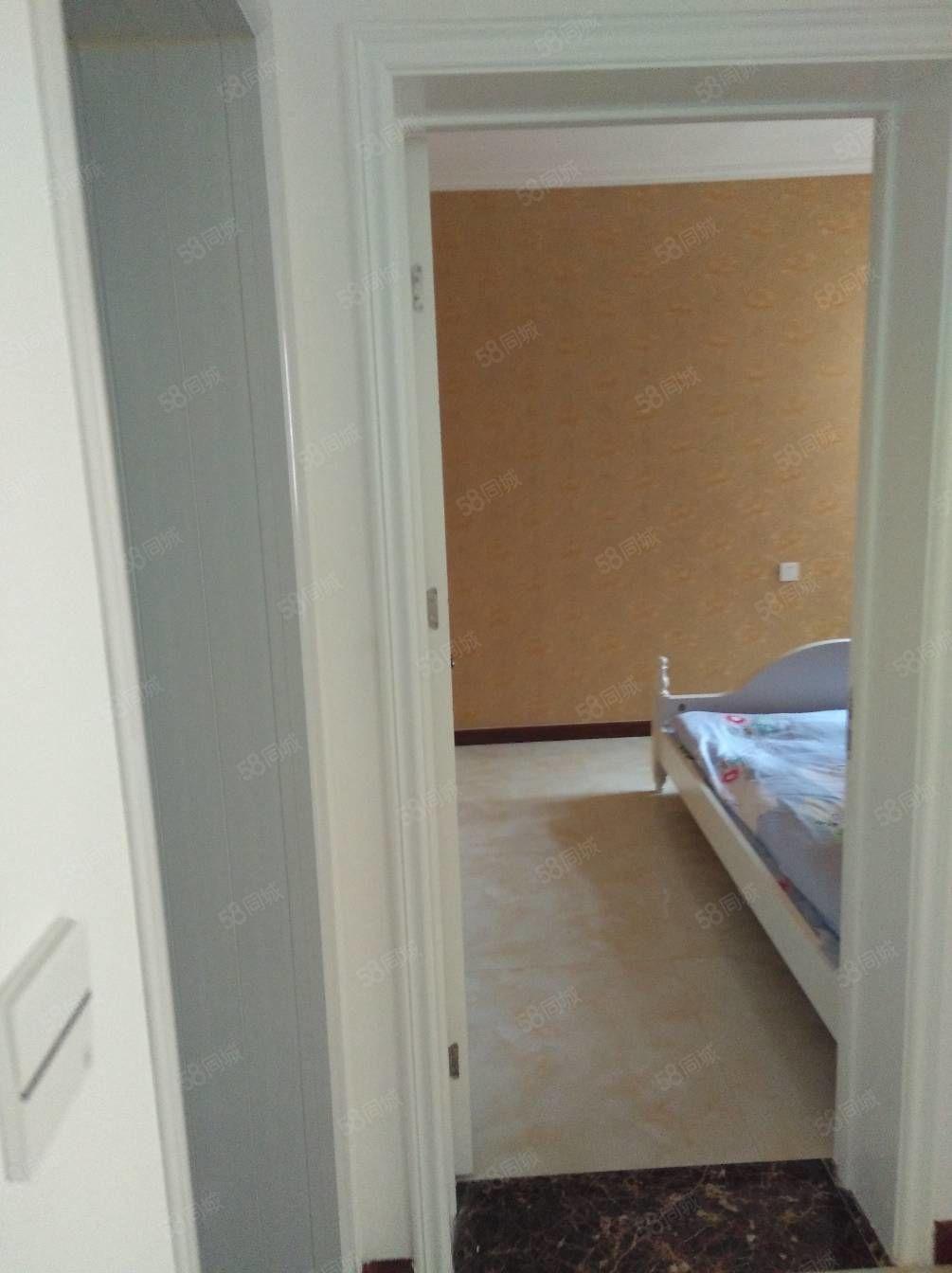 天苑丽3居两厅,两卫出租。