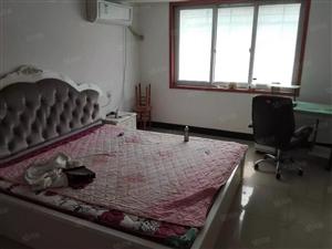 城南新区东骆驼洼8楼,三室两厅,中等装修,仅售15.8万