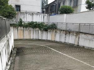 兰江名苑三室两厅电梯毛坯房中层出售50万!