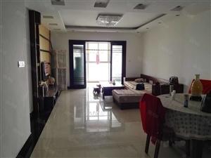长宁8号全新豪华装修,三室两厅户型方正,南北通透