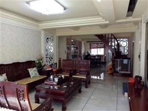 人和花园,楼中楼。赠送面积大,精装修拎包入住。