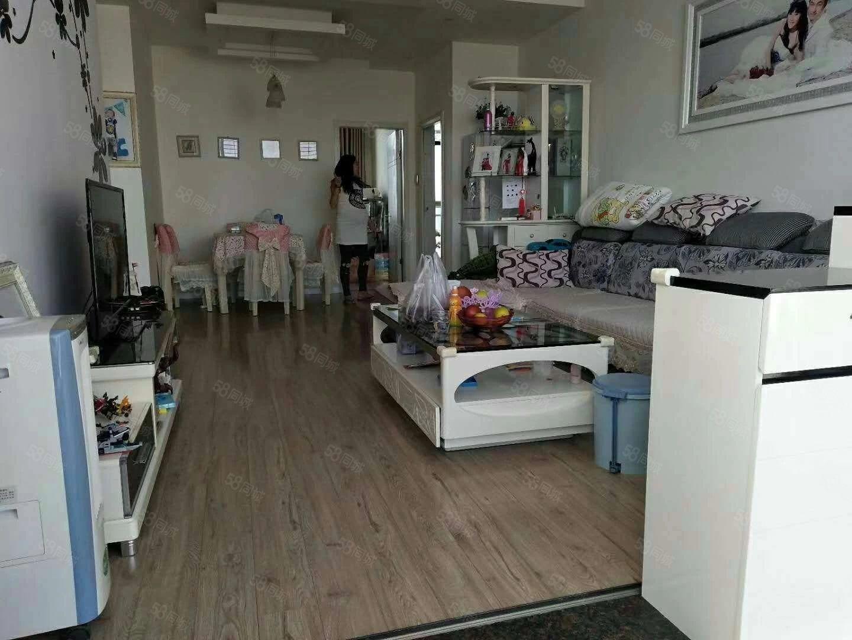 (可短租)东南亚小区5楼3室2厅1卫拎包入住