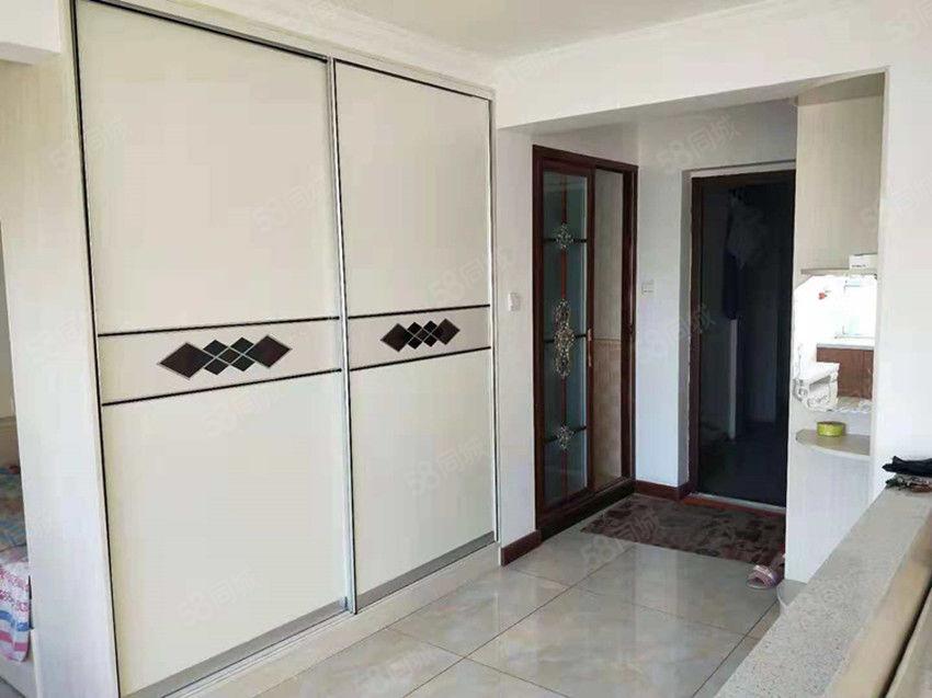 平和家园精装1室电梯房干净整洁