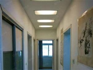 一楼大四房阳光四季园南院4室2厅120平米精装拎包入住