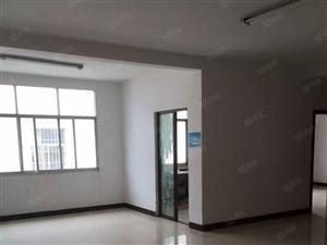 泰康小区3室2厅2卫140平方米年租停车方便可以做