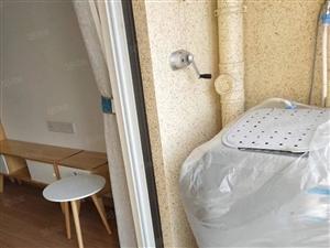 裕鸿世界港丽园3室2厅2卫精装修拎包入住!环境优美!