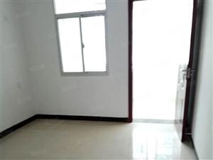 紫金园踏步房2楼,3房2厅2卫,新装修,支持按揭