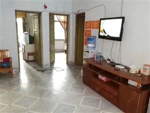 北坝中国银行附近3楼三室两厅只卖26万
