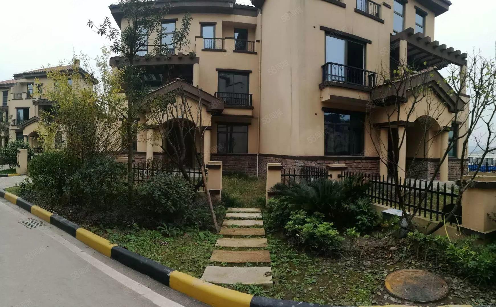 雙拼別墅共4層大花園150平雙車位樓頂送花園5室3廳可續按揭