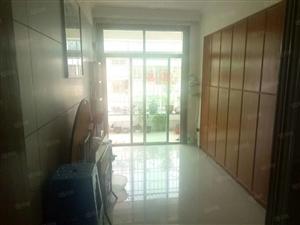 江华苑162平大四房出售,家具家电全送,拎包入住。