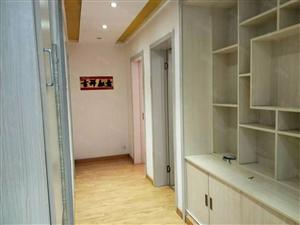 罗马假日3室2厅135平精装修1800元急租