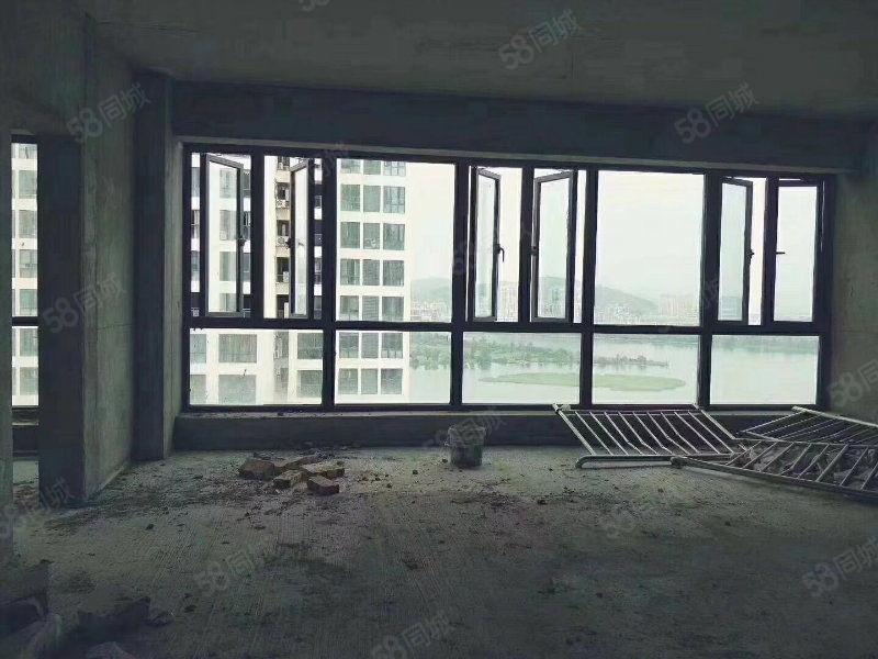 新出房源上东曼哈顿观湖效果非常好四房电梯中层三面采光看房方便