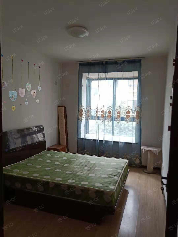 世纪大道品质社区中装2室家具家电齐全,看房有钥匙