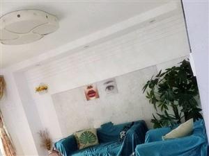 沃尔玛商圈《豪华装修单身公寓,下楼就是沃尔玛,家电家具全配》