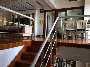 Y临江路漓滨花园2楼精装4房2厅2卫146平米150万