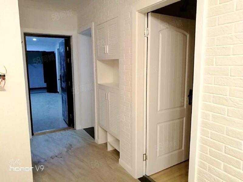 万达新盘全新家具三开门冰箱精美装修拎包入住
