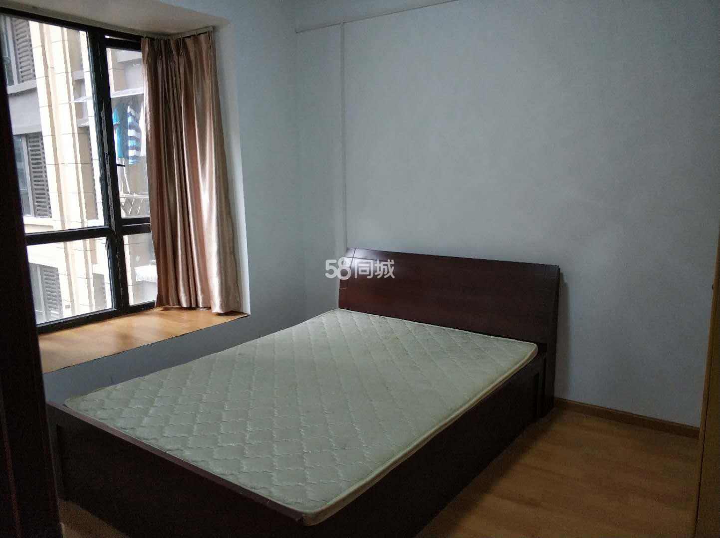 领秀·滨江3室2厅1卫