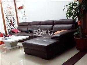 金城峰景3室2厅2卫