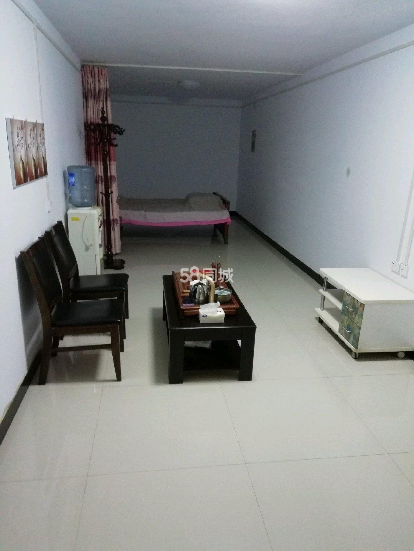 中医院附近1室1厅1卫