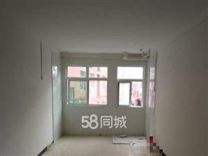 上村公寓东侧1室0厅1卫