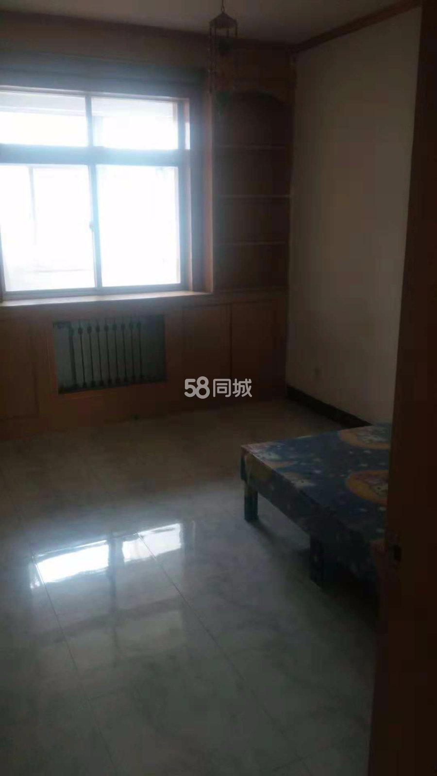中陕核集团二一O小区3室2厅1卫