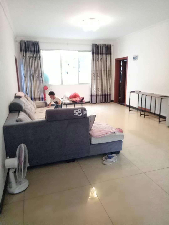 漕泥坪3室1厅2卫