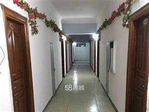 橡胶大厦1室0厅1卫