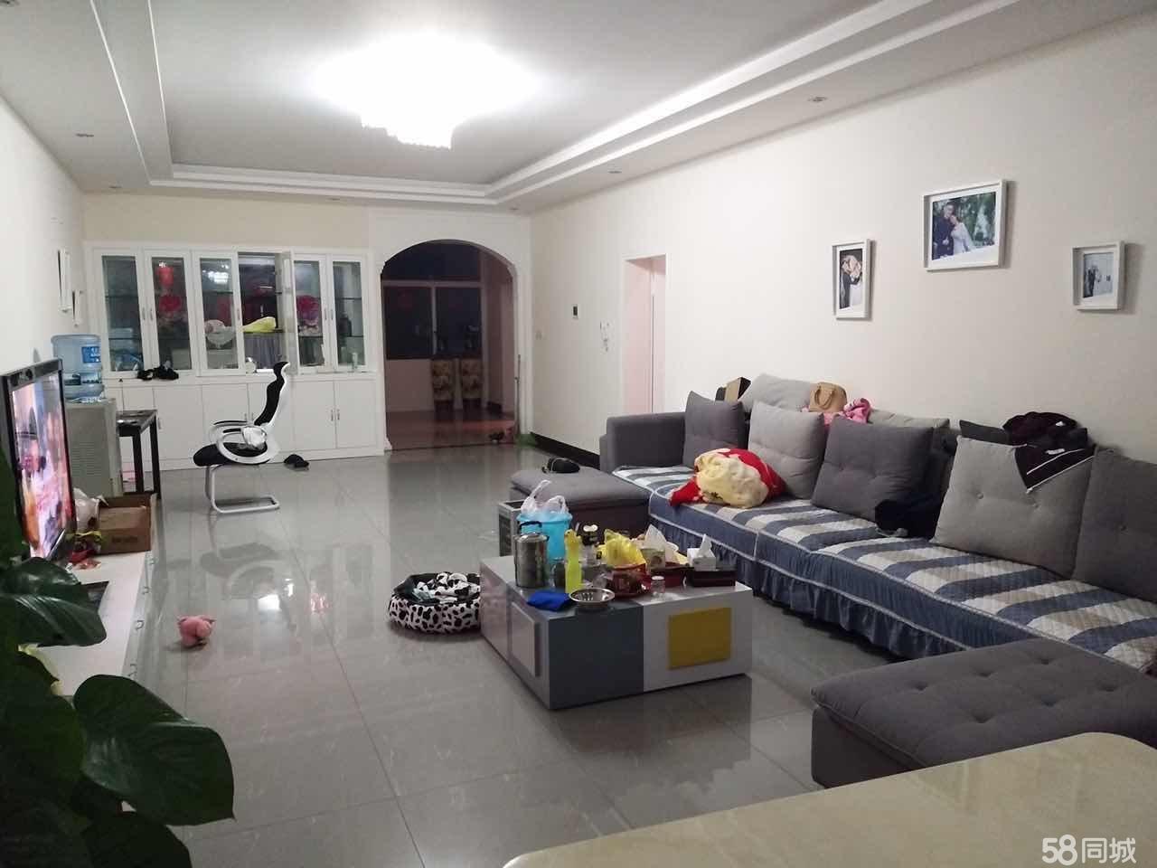 澳门拉斯维加斯网址县文化广场(广场宾馆旁边)3室2厅2卫(包含家具