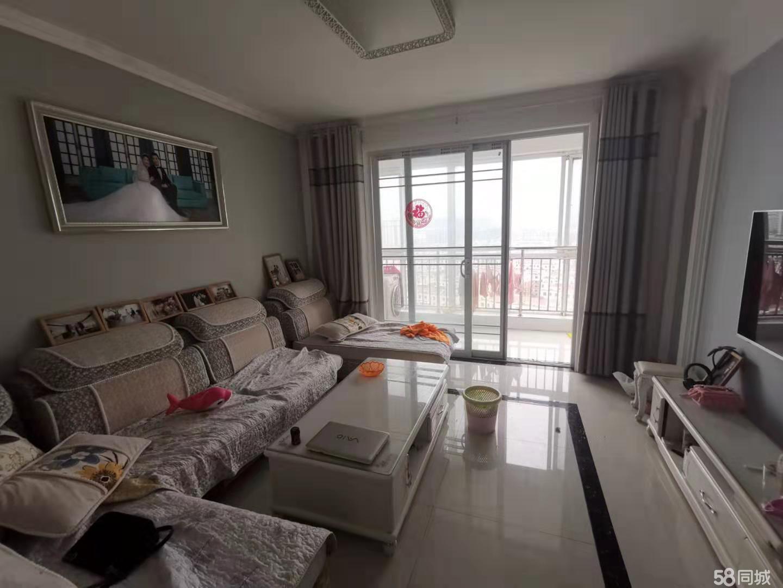 壹公馆房屋急售,带部分家具家电,11平储藏室,价格58万。
