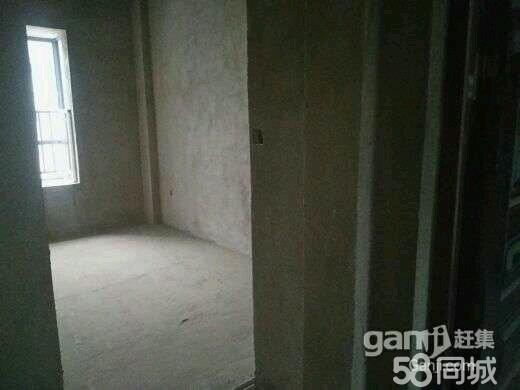 兴街高中对面3室2厅1卫