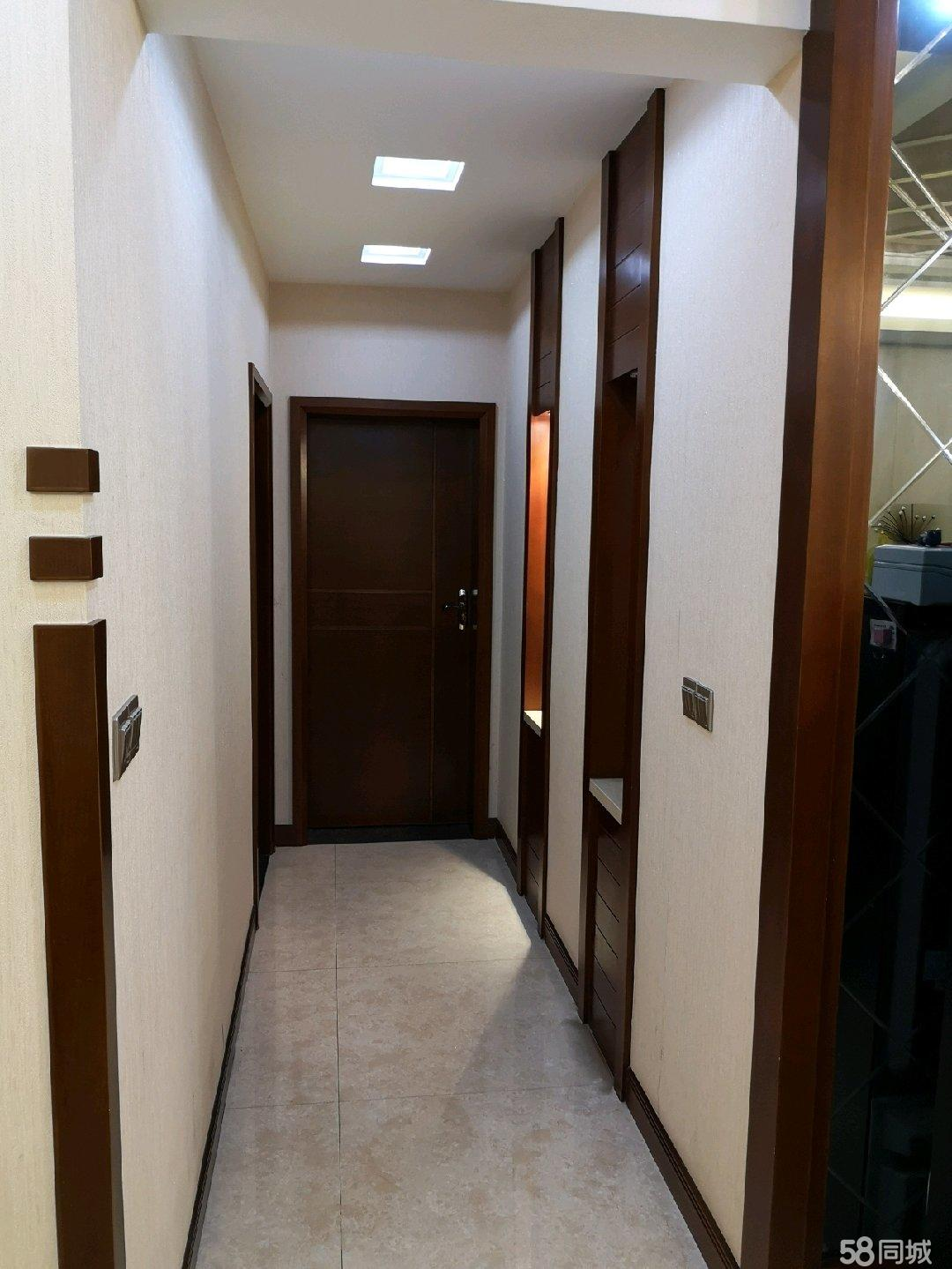 闹中取静豪华装修  三室两厅两卫