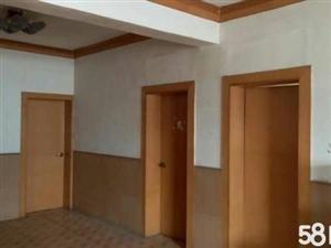 淅川县人民路教体局旁边学区房4室2厅1卫