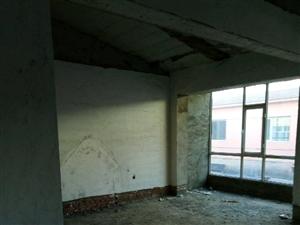 农业园区附近小二楼3室2厅1卫