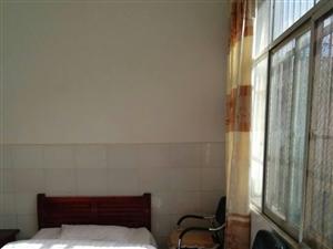 县医院岔路口8室8厅8卫