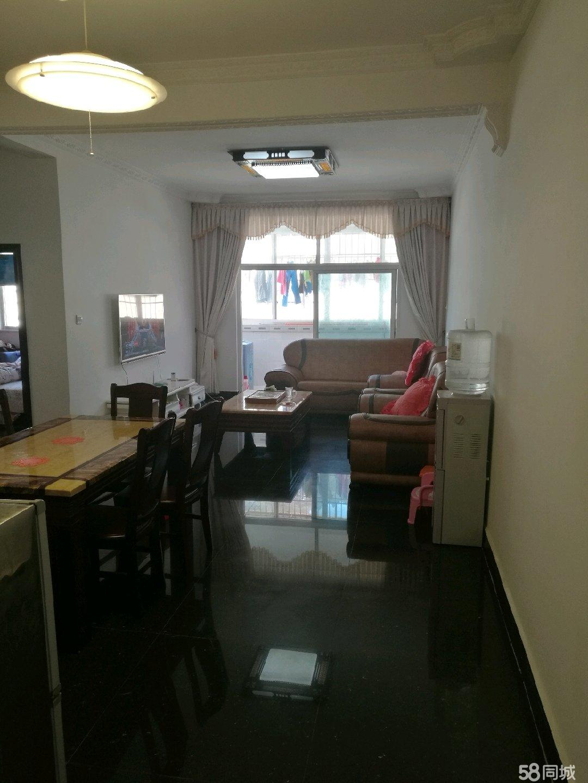 巴马新隆小区商品房两房一大厅,一厨一卫大阳台