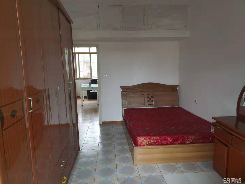 翔龙山十小学区房两室一厅