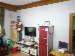泸县花园干道旁3室2厅1卫104�O2楼住房出售!