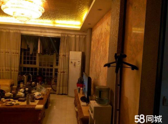 南北通透高大上淮河西路琴海花园3室2厅1卫126