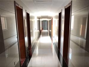 东城商贸城胜通园西门1室0厅1卫