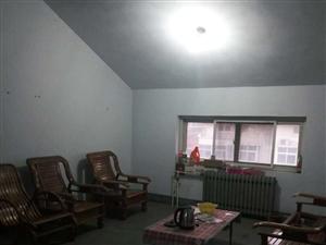 香港路与合肥路大岗小区六楼3室2厅带储藏室出售
