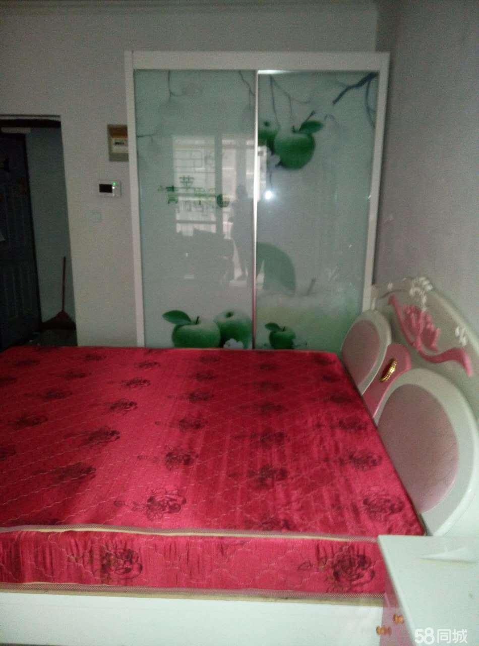 安陵镇鼓楼广场1室1厅45平米简单装修年付