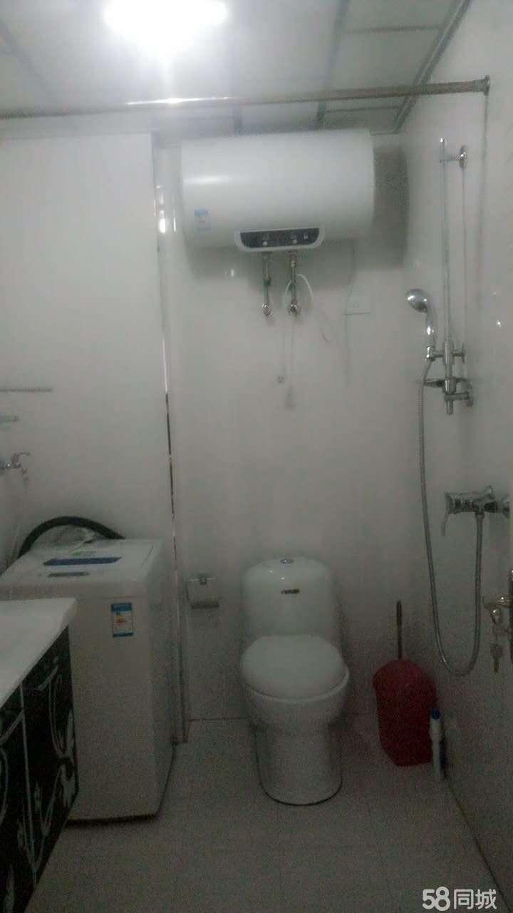 辉南一建小区2室1厅59平米简单装修年付