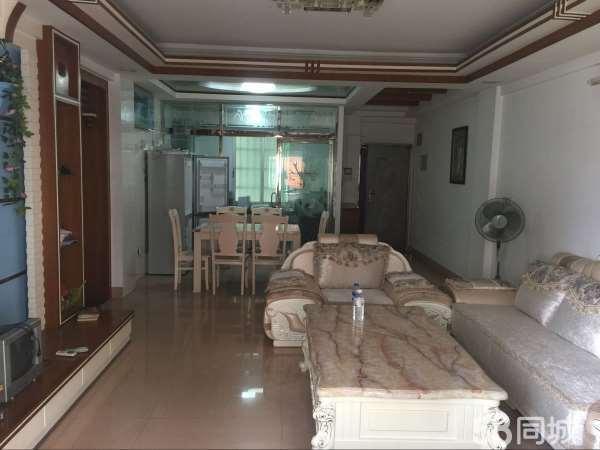 安溪龙苑小区4室2厅精修家具家电齐全拎包就可以入住
