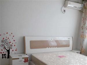 家具家电精装1室1厅43平米押一付三
