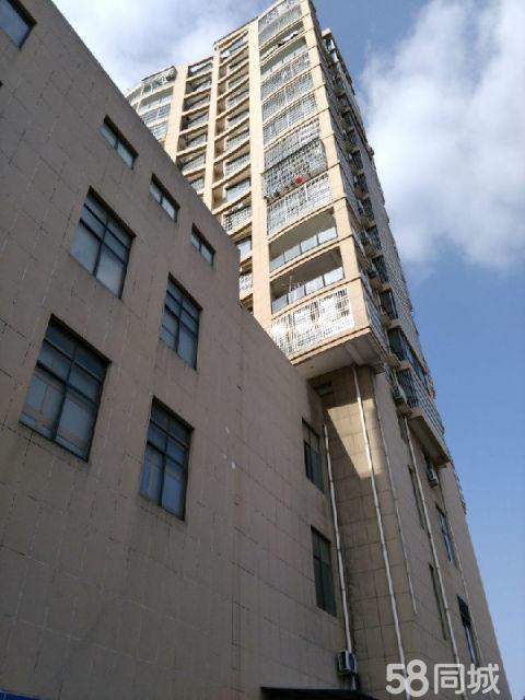 潜山老城广场旁边2室2厅1卫97�O