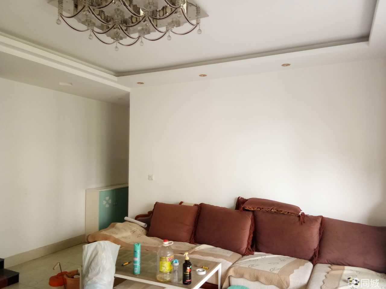 泸县河滨一号3室2厅2卫106�O住房出售!
