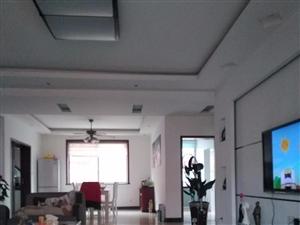 澳门网上投注娱乐富临家园4室2厅2卫带杂物间166平米