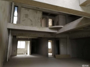 蒙自仅此一套,1跃3复式楼,带80平米花园和100平米车库