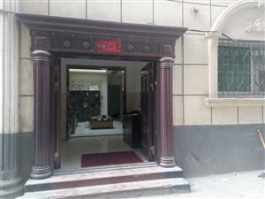 淅川县城关镇商圣花园对面独院低价出售