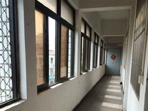 大润发附近6室0厅280平米中等装修年付押一